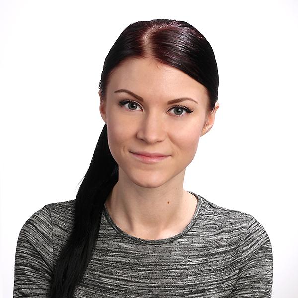 Annavera Lipponen : myyntipäällikkö (autolasit)